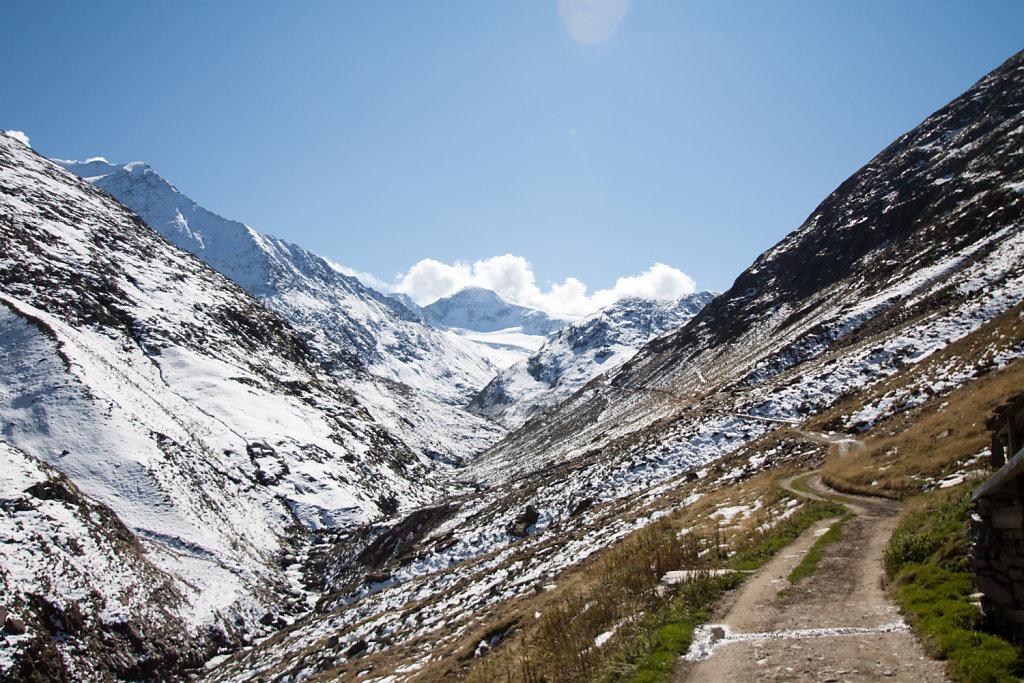 Das Tal bergauf
